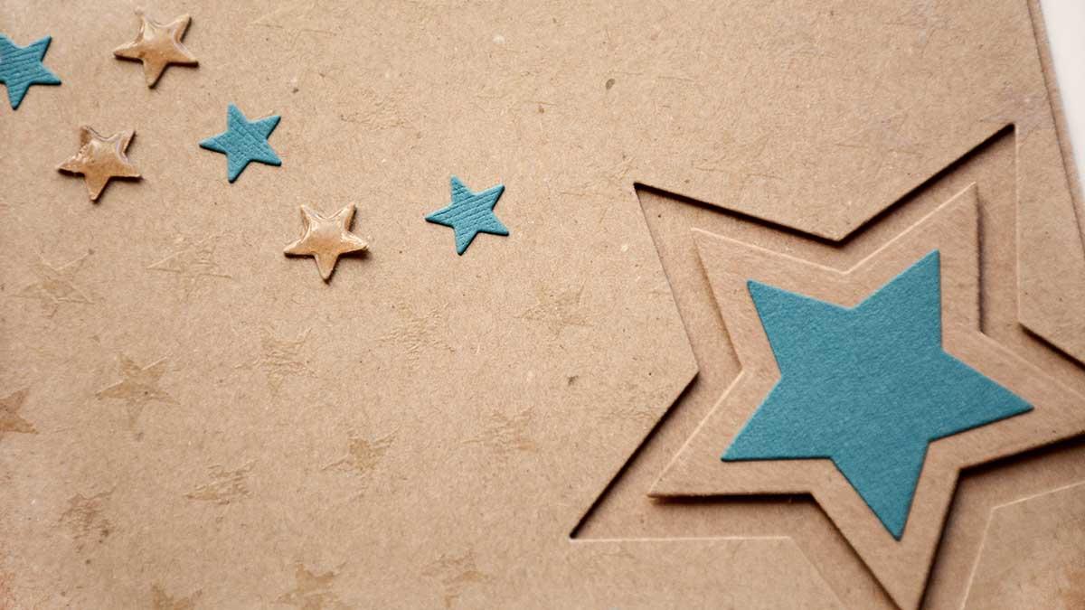 """Kort med stjärnor och """"Handgjort av""""-stämpel"""