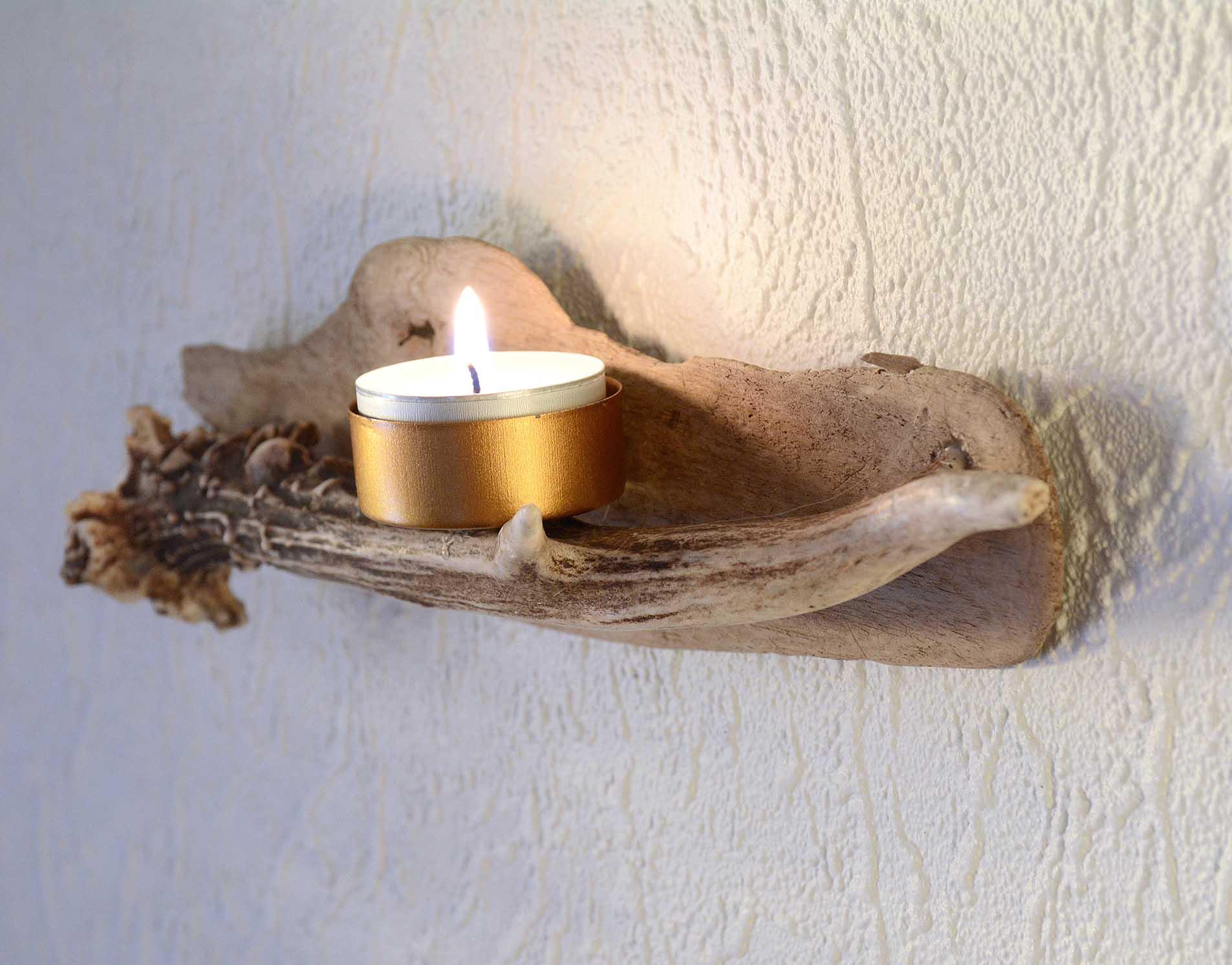 Ljushållare av ett renhorn och drivved