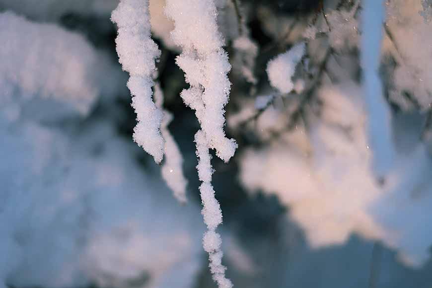 Gnistrande snö av Helen Thalen