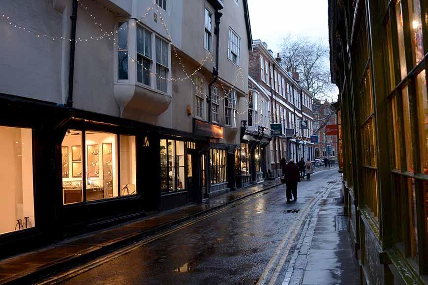York i skymningen av Helen Thalen