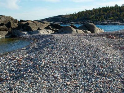 Stenstranden i Storviken på Trysunda