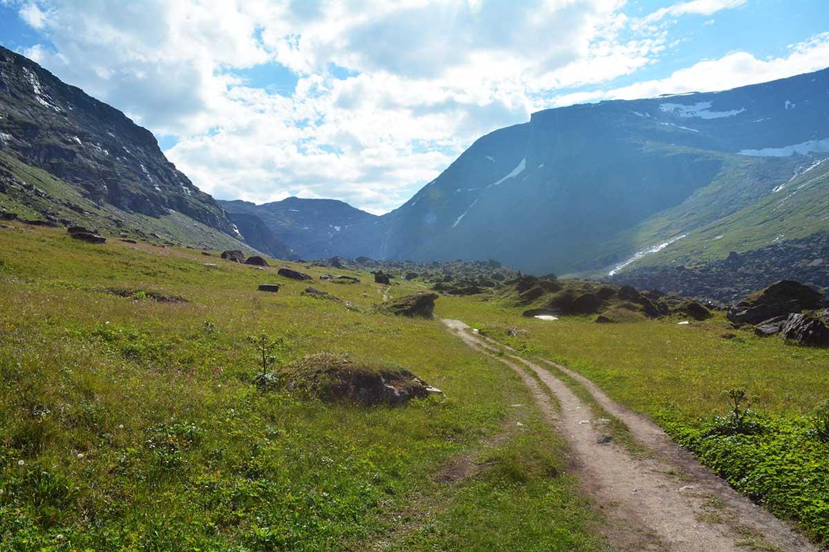 En sagolik vandring i Kärkevagge till Trollsjön